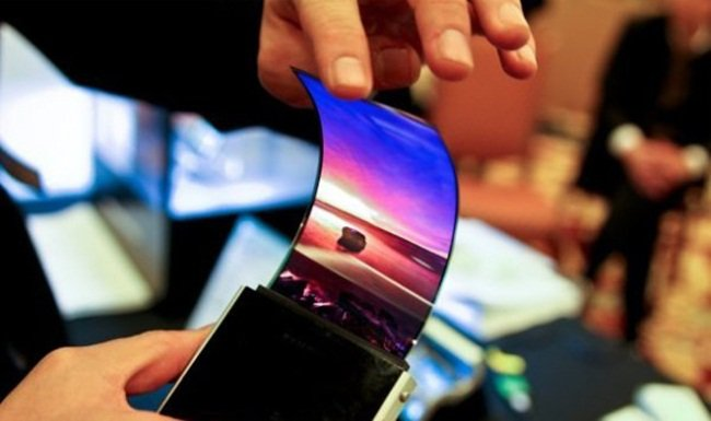 foldable-display-smartphones-coming-soon-photo