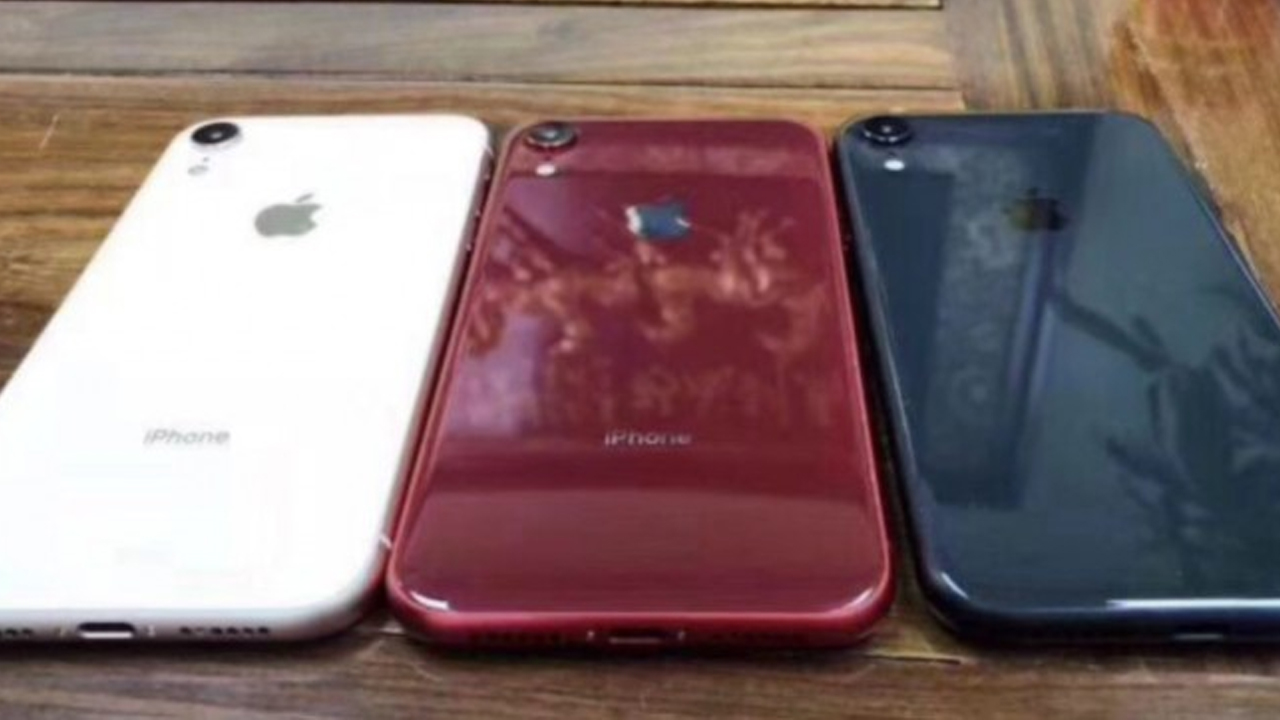 Apple Iphone Xr Might Be Launched Alongside Iphone Xs Xs Max